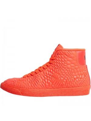 Червени дамски кецове Nike