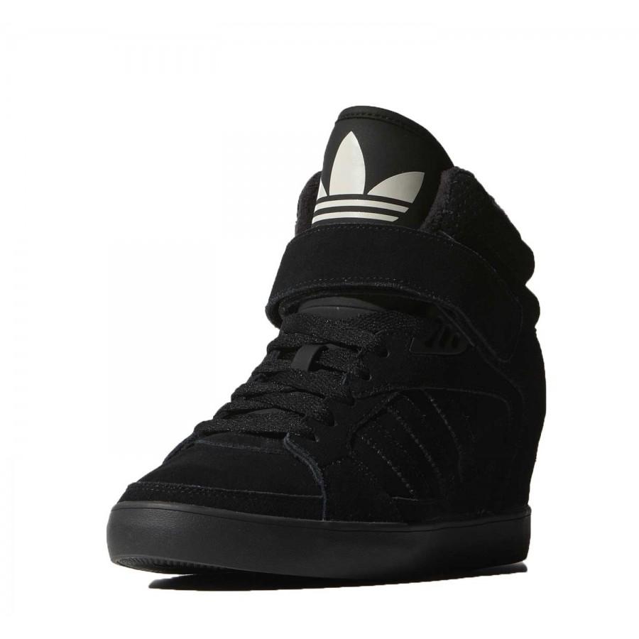 Кецове с платформа Adidas Amberlight Up