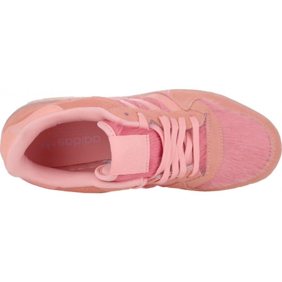 Дамски спортни обувки в цвят корал
