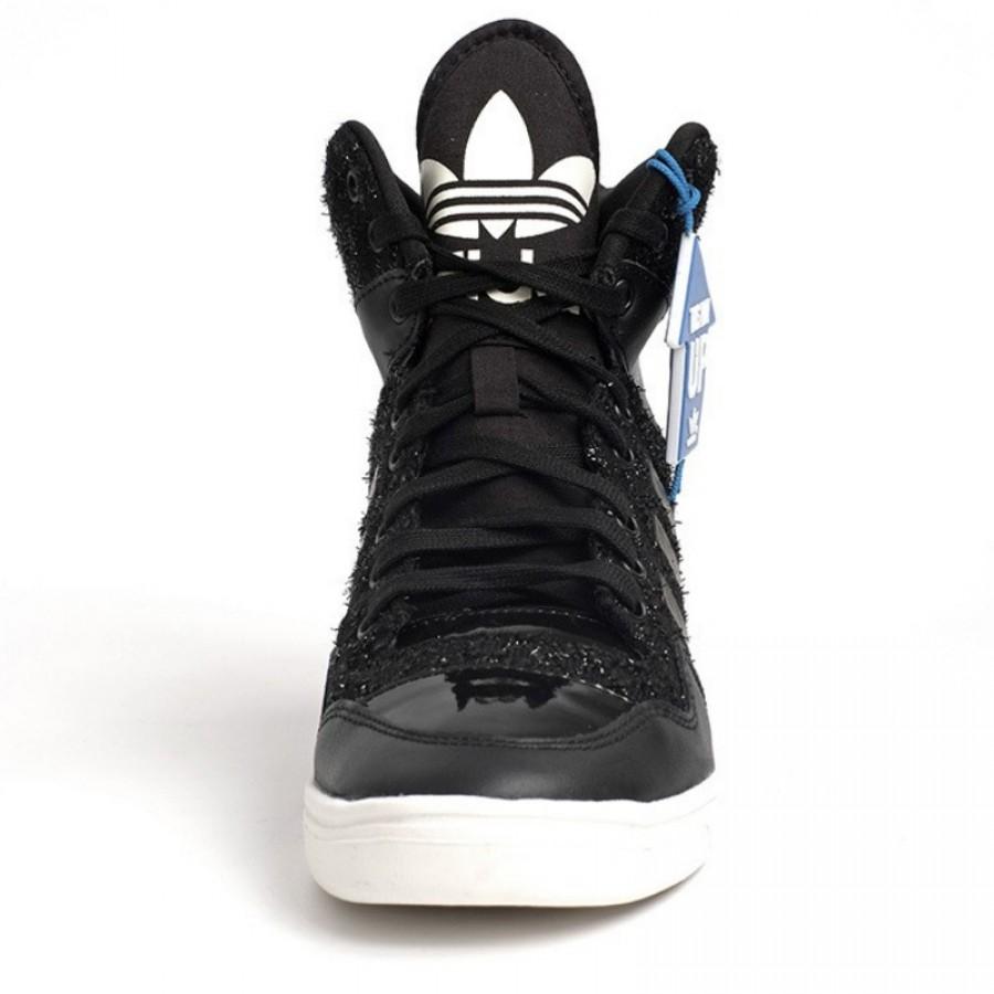 Оригинални спортни обувки адидас