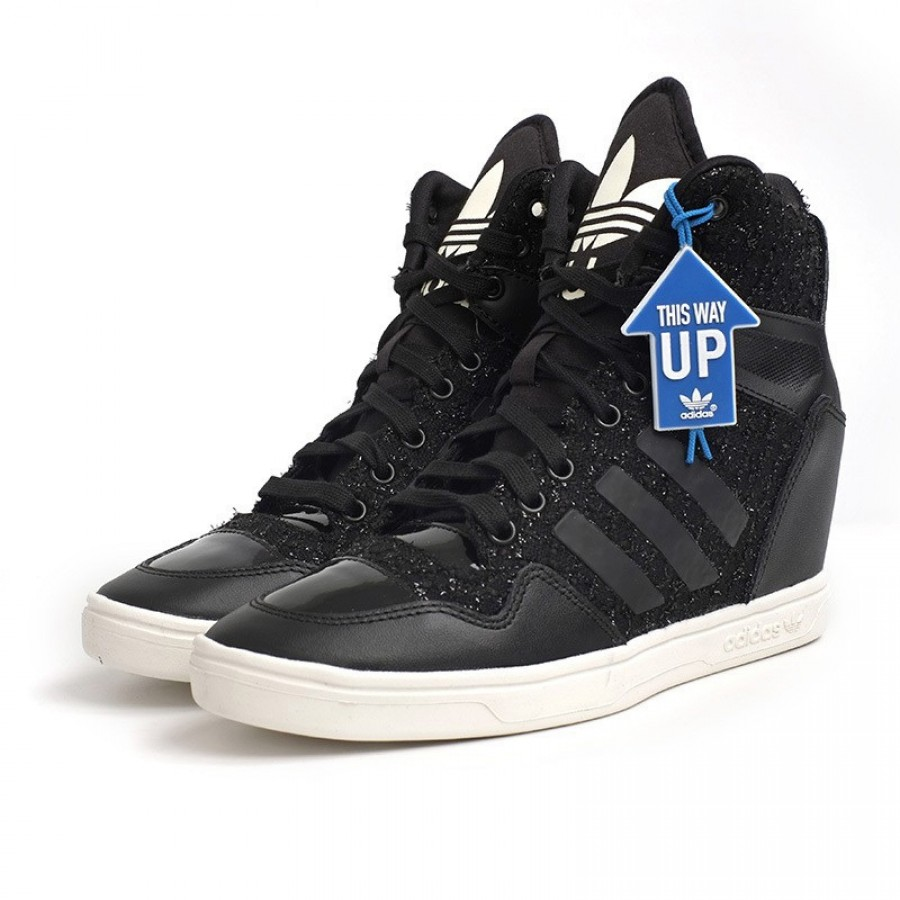 Кецове с плтаформа Adidas Аttitude Up
