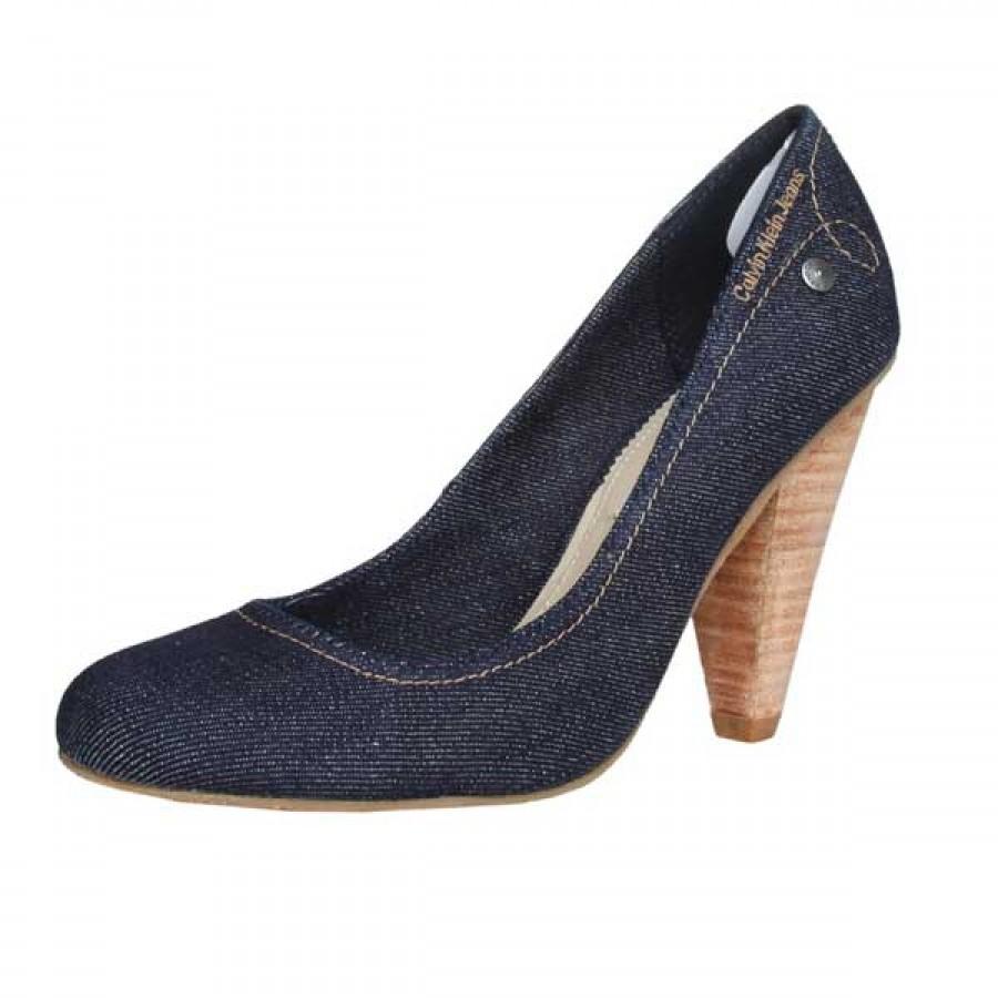 Calvin Klein Ivonne обувки на висок ток
