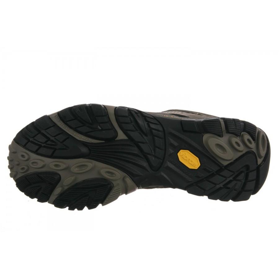 Мъжка обувка за туризъм