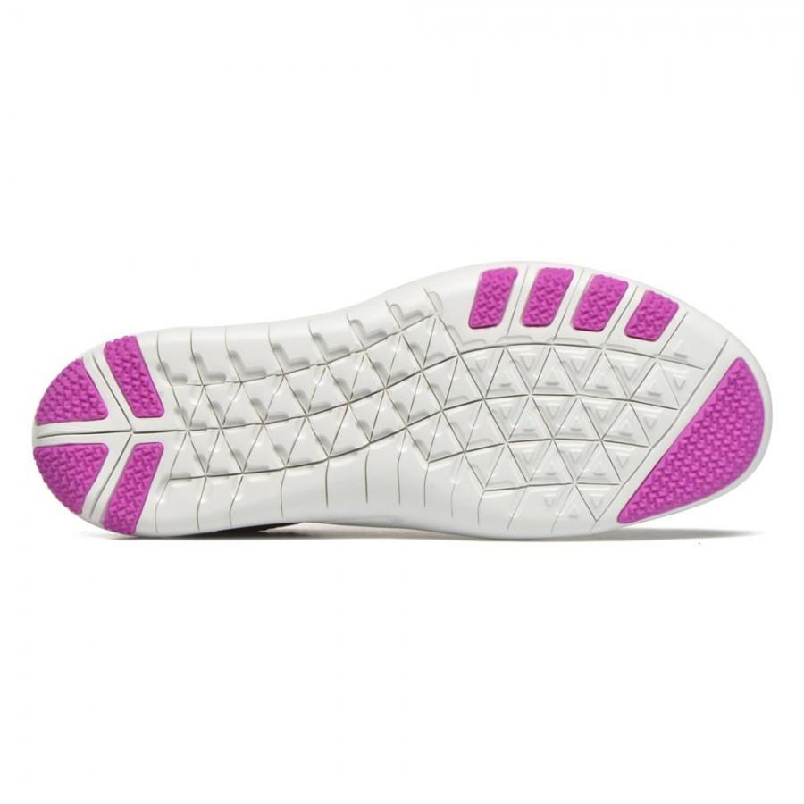 летни обувки nike