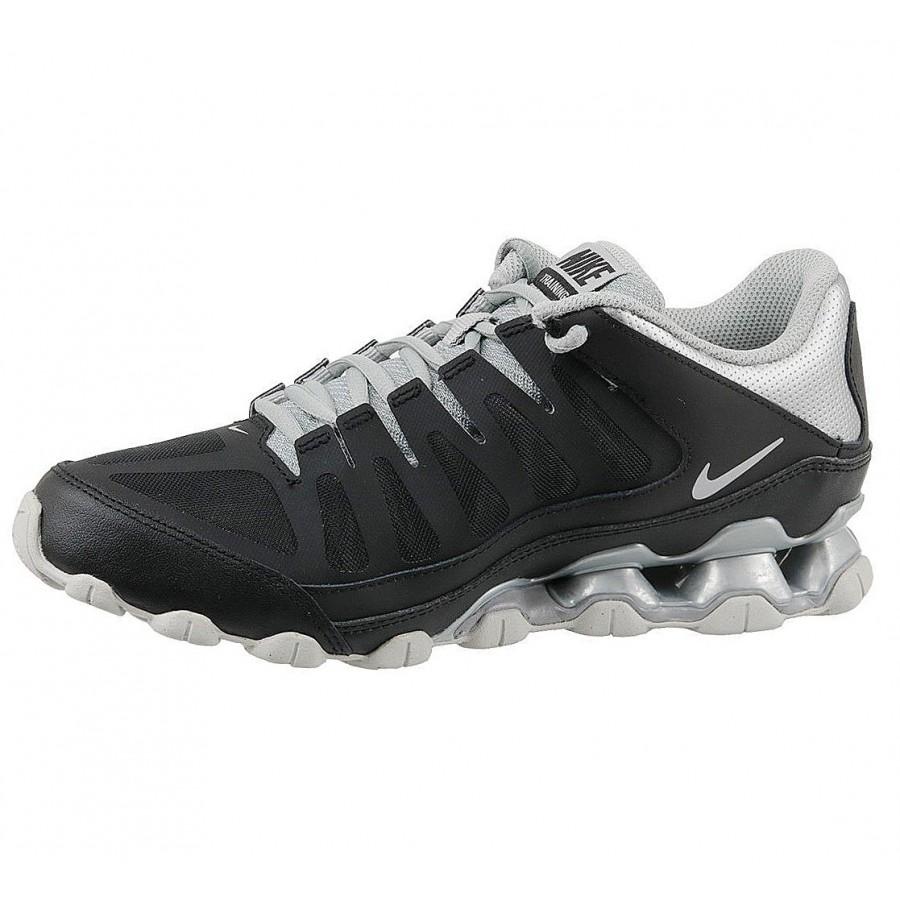 Спортни обувки Nike Reax 8 TR
