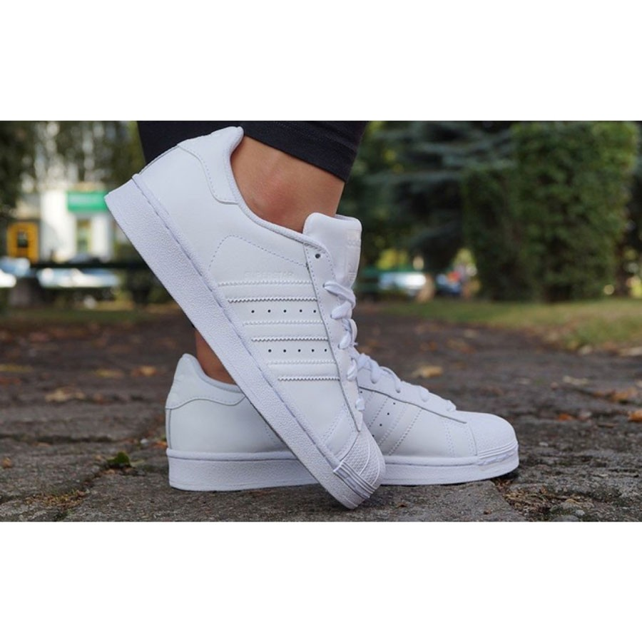 Оригинални дамкси спортни обувки