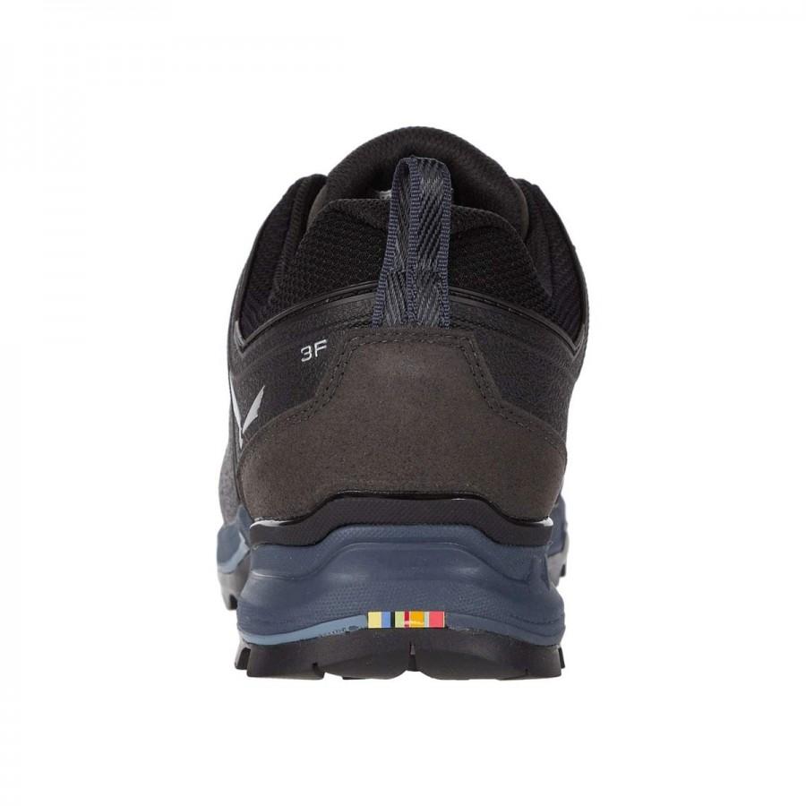 Обувки за туризъм